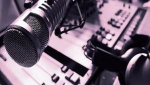 mikrofono_radio_aftodioikisi-620x320_0-700x400-1